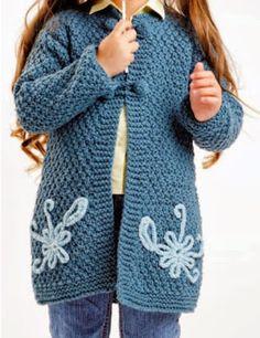 abrigo para niña tejido a palillo para niña de 5 años hermoso abrigo tejido OjoconelArte.cl |