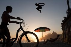 Tricks of the Trade: The 5 Best Travel Photography Tips with David Alan Harvey - Filson Life