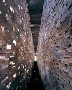 Image 3 of 26 from gallery of Moorish Wall in Alto Albaicín / Antonio Jiménez Torrecillas. Photograph by Vicente del Amo Brick Architecture, Architecture Details, Interior Architecture, Brick In The Wall, Brick And Stone, Stone Walls, Small Bathroom Window, Library Inspiration, Brick Texture