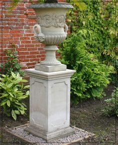 The David Sharp Studio, Masterpieces in Classical Garden Statuary, Garden Fountains and Pool Surrounds. Stone, Bronze and Marble Urn Vase, Vases, Flower Pots, Flowers, Garden Fountains, Garden Landscaping, Palace, Garden Sculpture, Planters