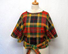1970s Vintage Wool Cape Jacket / Tartan Plaid Capelet