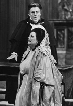 Montserrat Caballe as Tosca with Cornell MacNeil as Scarpia. | opera