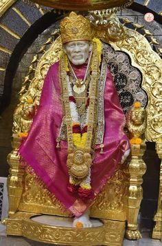 Sai Baba Pictures, Sai Baba Photos, God Pictures, Shirdi Sai Baba Wallpapers, Lord Shiva Pics, Lakshmi Images, Baba Image, Om Sai Ram, Thursday Morning