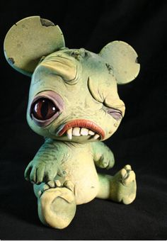 He looks so cute, but my guess is he bites hard :) Custom Baby Qee Bear by… Cute Creatures, Magical Creatures, Fantasy Creatures, Clay Monsters, Little Monsters, Dragons, Polymer Clay Kunst, Biscuit, Classic Monsters