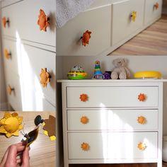 Ikea Hemnes knob hack. Baby safe knobs with felt sun/sunflower Bebek güvenliği için İkea Hemnes şifonyer ve divan kulplarına keçe güneş/günebakan giydirdik