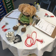Doctors surgery Ks1 Classroom, Year 1 Classroom, Early Years Classroom, Nurse Crafts, People Who Help Us, Continuous Provision, Creative Area, Block Play, Tuff Tray