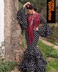 Colección 2018 - Manuela Macías Moda Flamenca Fashion Dresses, Dresses With Sleeves, Long Sleeve, Furniture, Templates, Long Sleeve Dresses, Accessories, Fashion Show Dresses, Trendy Dresses
