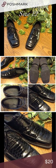 Dexter Comfort Men's Dress Shoes These are a great pair of Dexter Comfort brand men's dress shoes. The shoes are black, a size 12, and have a tie closure. In good condition and ships immediately. Dexter Comfort Shoes Oxfords & Derbys