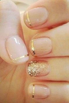 ...uñas con lineas doradas