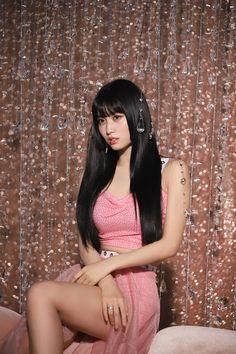 "Hirai Momo Photoshoot for Album ""Feel Special"" - Twice Comeback Nayeon, K Pop, Kpop Girl Groups, Korean Girl Groups, Kpop Girls, Belive In, Twice Chaeyoung, Signal Twice, Twice Tzuyu"