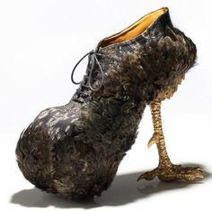 Extraordinary women& shoes by Masaya Kushino Crazy Shoes, Me Too Shoes, Weird Shoes, Stiletto Shoes, Shoes Heels, Funny Shoes, Shoes 2014, Shoe Art, Ankle Boots