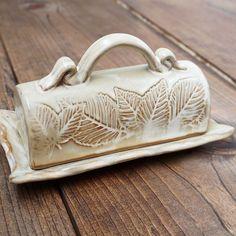 Leaf Motif Butter Dish   North Carolina Pottery