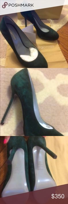 Sergio Rossi Scarpe Donna Suede Round toe Pump Brand new NEVER worn Sergio Rossi suede pumps. Beautiful shoe, and comes with dust bag, heel replacements and box. Didn't fit me after pregnancy which is why I'm selling. Made in Italy!! 🇮🇹 Feel free to ask questions. Sergio Rossi Shoes Heels