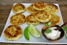 Croquetas de Pescado: 1 pescado entero (yo usé platija filete de approximately 0,60 a 1,0 libras) 4 patatas, cocidas 2 cucharadas de c ...