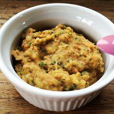 Losos s bramborami a cuketami pro nejmenší: Kousek lososa a kousek cukety uvařte v páře, bramboru uvařte v kojenecké vodě. Část jídla potom rozmačkejte na malé kousky a část rozmmixujte najemno. Přidejte i nadrobno nakrájený kopr pro dochucení.
