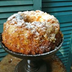 Easy Cinnamon Apple Cake This cake is divine and perfect for the holidays. It looks as pretty as it tastes. Super yummy with coffee for breakfast :) Apple Cake Recipes, Apple Desserts, Just Desserts, Delicious Desserts, Dessert Recipes, Apple Cakes, Food Cakes, Cupcake Cakes, Cupcakes