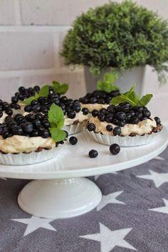 Kakkuviikarin vispailuja!: Mustikkaleivokset