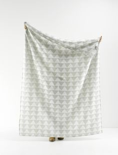 Roomblush SS2015 #blankets PYRAMIDS http://www.roomblush.com/en/textile/blankets
