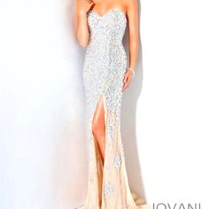 Love this!!! My dream prom dress!
