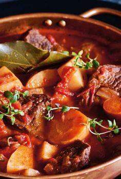oksegryde Real Food Recipes, Great Recipes, Healthy Recipes, Vegan Runner, Sausage Lasagna, Vegan Gains, Italy Food, Easy Food To Make, Carne