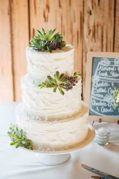 So simple and lovely! #weddingcake {Priscilla Thomas Photography; Cake: Wildflour Pastry}