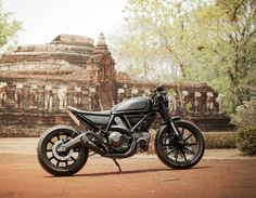 Browse a number of my best builds - stylish scrambler designs like Ducati Scrambler Custom, Harley Davidson Scrambler, Triumph Scrambler, Scrambler Motorcycle, Motorcycles, Moto Ducati, Ducati Cafe Racer, Cafe Racers, First Time Driver