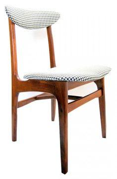 STARE KRZESŁO PRL proj. R.T.HAŁAS PO RENOWACJI Bauhaus Furniture, 60s Furniture, Classic Furniture, Furniture Design, Furniture Inspiration, Interior Inspiration, Mid Century Design, Teak, Mid-century Modern