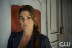 The 100 -- Image: HU01_CC_ Abby _3559 -- Pictured: Paige Turco as Abby -- Photo: Cate Cameron/The CW -- © 2014 The CW Network. All Rights Reserved.