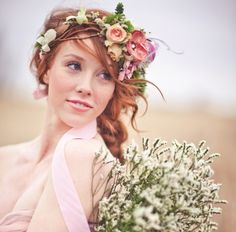 Fresh flowers can look so beautiful in relaxed boho bridal hair. Talk to your florist about tying in your floral decor with some select blooms for your look. http://www.confetti.ie/gallery/122/images