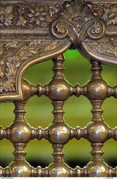 88 ♥ / 5 June, 2011 / Source:   prettymindclutter:  Grate detail in the Imam Reza Shrine in Mashhad, Iran.