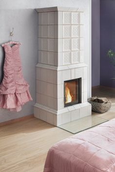 When modern and traditional meet. The BRUNNER HKD series combines exactly these two elements. The heating inserts are available in different . Stove Paint, Wood Burner Stove, Home Technology, Cottage Interiors, Living Room With Fireplace, Scandinavian Home, Minimalist Interior, Beautiful Interiors, Home Office