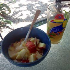 apples & yogurt | orange juice | Nosara, Costa Rica || #COLOReats @coloreats