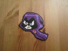 Pixel Art - Perler : Raven, Teen Titan. Temps consacré : 2 heures. Taille (cm) : l=10, h=9.5