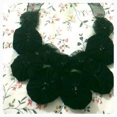 collar flores yoyo
