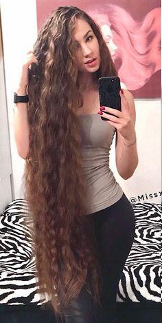 Curls For Long Hair, Long Brown Hair, Very Long Hair, Rapunzel Hair, Long Hair Video, Beautiful Long Hair, Gorgeous Women, Silky Hair, Loose Hairstyles