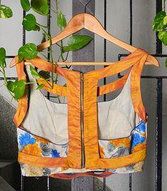 Cotton Saree Blouse Designs, Blouse Back Neck Designs, Fancy Blouse Designs, Printed Blouse, Printed Cotton, Designer Blouses Online, Blouse Designs Catalogue, Stylish Blouse Design, Sexy Blouse
