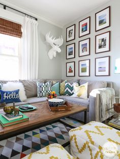 Fresh and Party-Ready Living Room // Gallery Wall