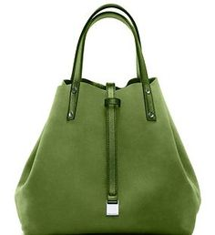 Me LIKE!!!!!!!!!!!!!!!!  It's really a shame I can only carry one purse at a time!