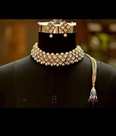 63 Trendy Jewerly Gold Perlenketten im indischen Design Indian Jewelry Earrings, Indian Jewelry Sets, Jewelry Design Earrings, Indian Wedding Jewelry, Bridal Jewelry Sets, Bridal Sets, Pearl Jewelry, Silver Jewelry, Silver Rings