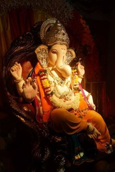 Make this Ganesha Chathurthi 2020 special with rituals and ceremonies. Lord Ganesha is a powerful god that removes Hurdles, grants Wealth, Knowledge & Wisdom. Ganesh Pic, Shri Ganesh Images, Ganesh Lord, Ganesh Idol, Ganesha Pictures, Ganesh Statue, Ganesha Art, Shri Hanuman, Shree Ganesh