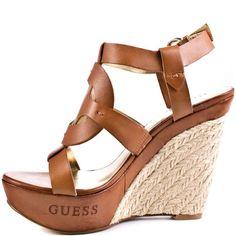 Zapatos Guess hasta 50% de descuento. Ideal para regalo Día de la Madre                                                                                                                                                     Más