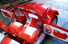 fusca conversível (Foto: Milene Helen Oliveira/VC no AutoEsporte) Red Beetle, Beetle Bug, Vw Beetles, Vw Conversions, Volkswagen Bus, Cute Cars, Booth Design, Car Audio, Classic Cars