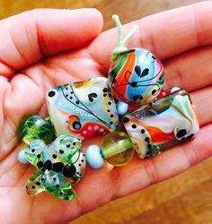 Butterfly & Swirl Beadset 12 made by Caroline by carolinedousi
