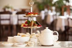 Afternoon Tea British custom with its origins in 19th century England. Here are all the recipes you need to make yours perfect.