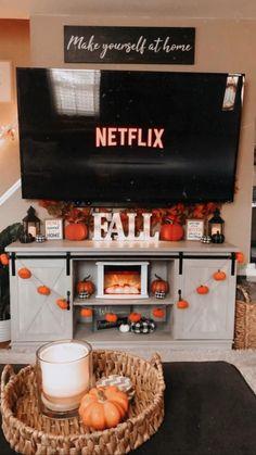 Fall Bedroom Decor, Fall Home Decor, Autumn Home, Fete Halloween, Halloween Home Decor, Halloween Decorations, Happy Halloween, Herbst Bucket List, Helloween Party