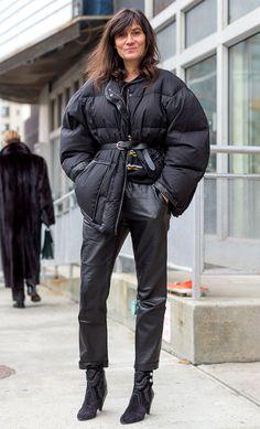 Best New York Fashion Week Street Style Fall 2016 - Emmanuelle Alt New York Fashion Week Street Style, Nyfw Street Style, Looks Street Style, Autumn Street Style, Star Fashion, Look Fashion, Trendy Fashion, Winter Fashion, Womens Fashion