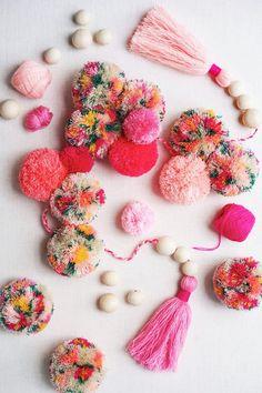 Fashion trends : DIY Floral Pom Poms – Honestly WTF DIY Floral Pom Poms – Honestly WTF Sharing is caring, don't forget to share ! Crafts For Teens, Crafts To Sell, Diy And Crafts, Arts And Crafts, Crochet Crafts, Yarn Crafts, Sewing Crafts, Clover Pom Pom Maker, Confection Au Crochet