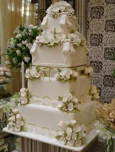 Veja 40 modelos de bolo de casamento - Terra Brasil