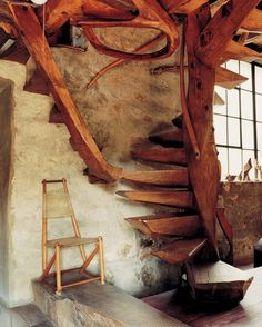 log-cabins:    These stairs would look great in a log cabin  smallspacesblog:    from Handcrafted Modern by Leslie Williamson
