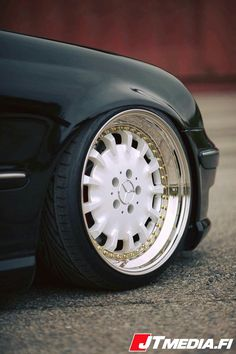 VISIT FOR MORE Plastic Wheel cups that comes with cars from agency The post Plastic Wheel cups that comes with cars from agency appeared first on mercedes. Mercedes Wheels, Mercedes Benz Cars, Rims For Cars, Rims And Tires, Porsche, Audi, Jdm Wheels, Custom Chevy Trucks, Classic Mercedes